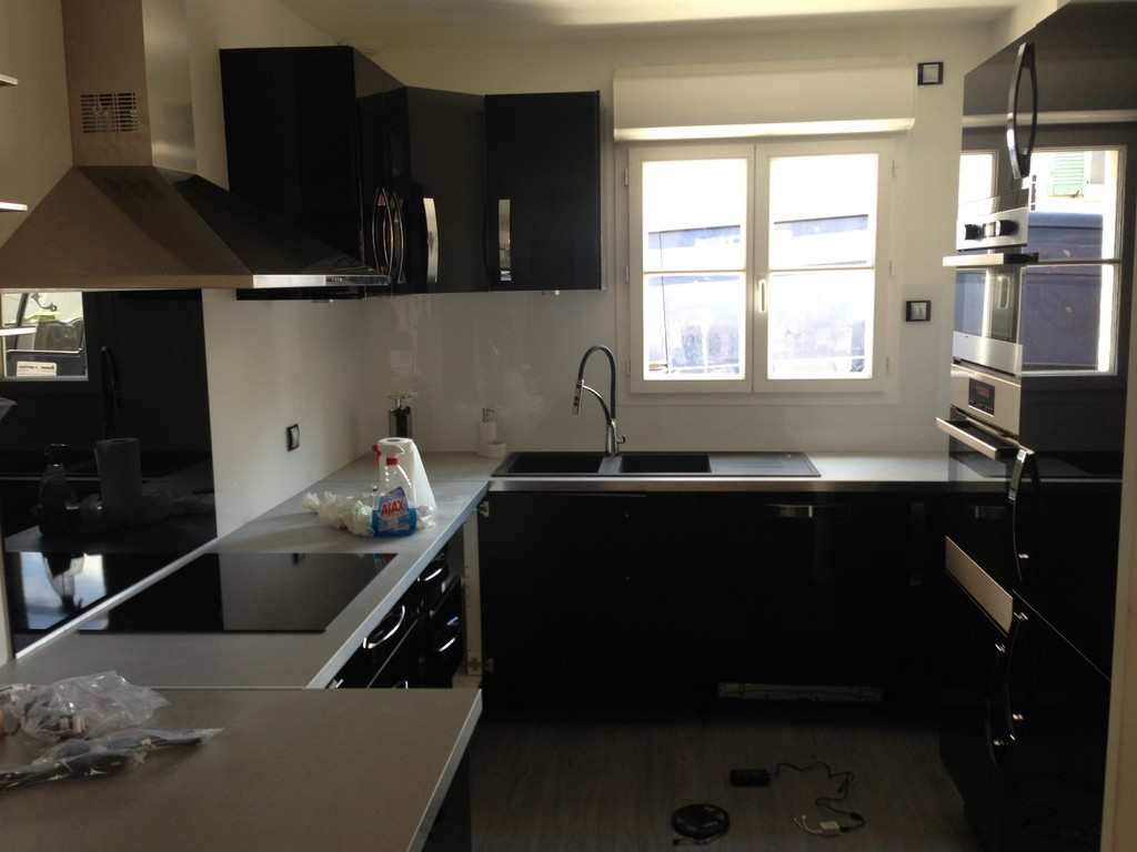 renovies services cuisinistes. Black Bedroom Furniture Sets. Home Design Ideas